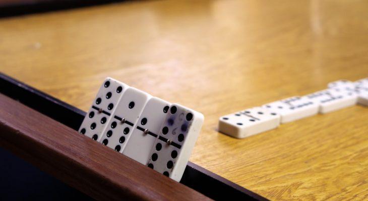 Judi Domino, Judi Poker Online Dan Perbandingannya